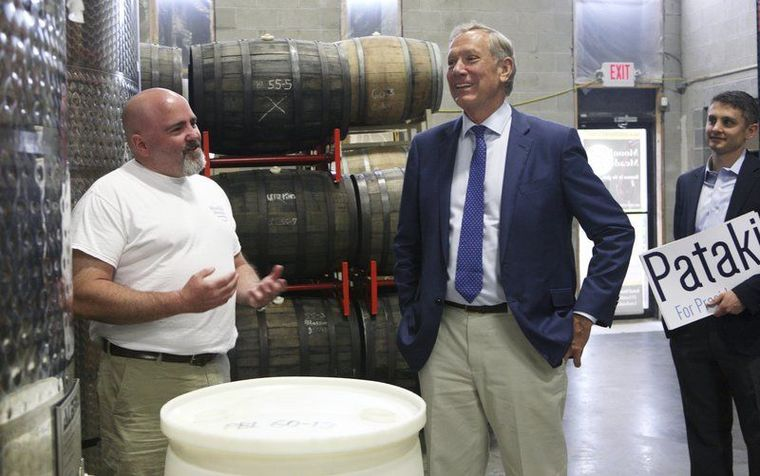 Pataki Stumps for Support in Londonderry (and visits Moonlight Meadery!)